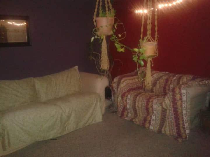 Master bedroom w/ walk-in closet