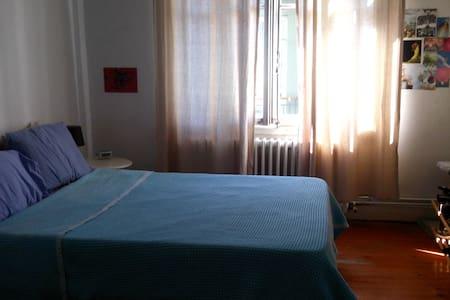 Nice room / heart of the city - Beyoğlu - Apartment