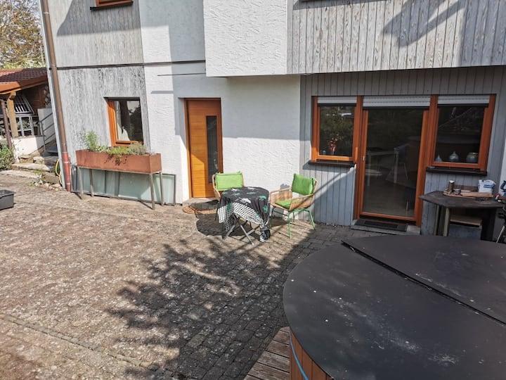 Schöne Ferienwohnung (45m²) mit Terrasse und Pool