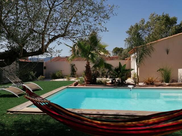 Chambre privée farniente avec piscine, clim, wifi