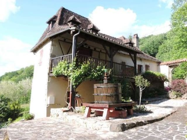 Two charming en-suite rooms - Altillac - Penzion (B&B)