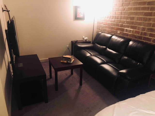 Downtown Davenport- 1BR on Riverfront
