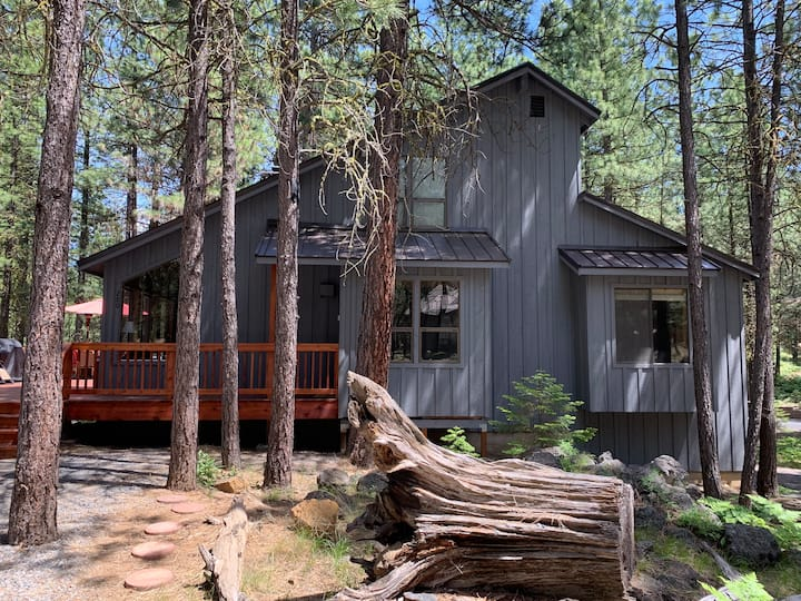 Barker's Black Butte Home- Best Deal on the Ranch!