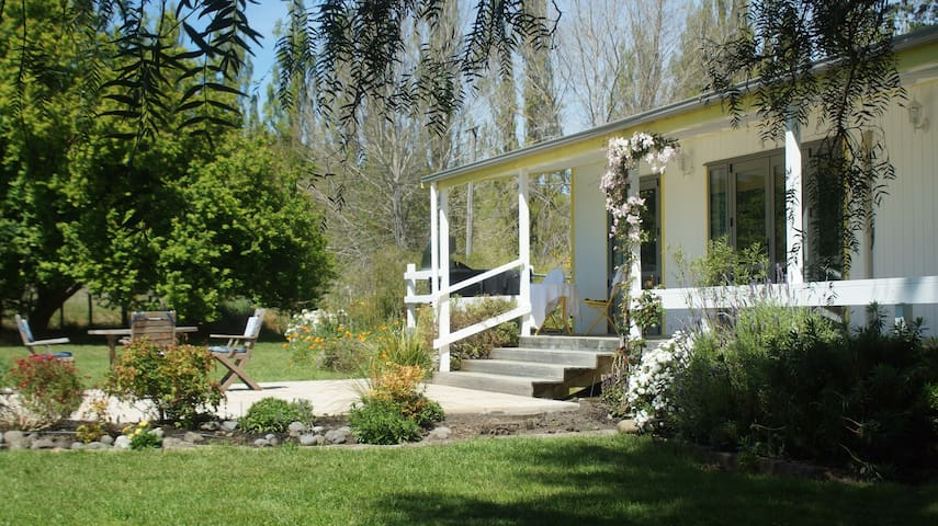 Havelock North Rural , Northala Cottage