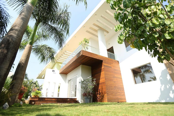 KAKI-luxurious vacation home, Tungarli