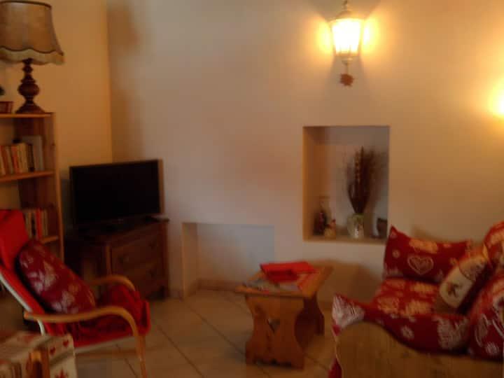 Appartement 2- Gentiane- 50m²- 4 couchages- Sja73
