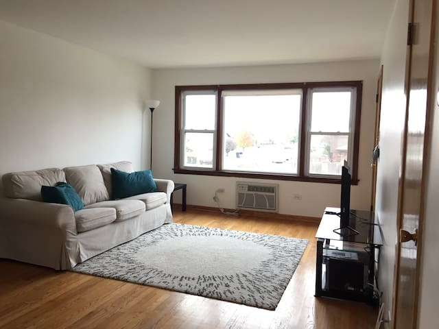 Cute 2 Bed 1 Bath Condo W Parking - Oak Lawn - Lejlighedskompleks