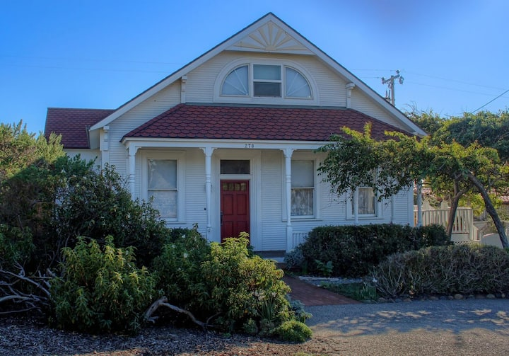 A Victorian Lightkeepers House by the Sea
