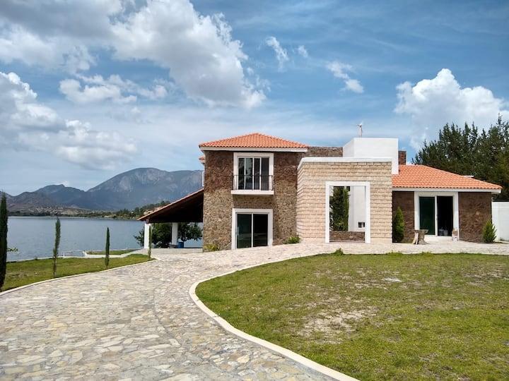 Casa de Montaña en Lago