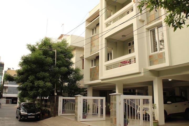 Phoenix Serviced Apartment-10th Main Rd,Anna Nagar