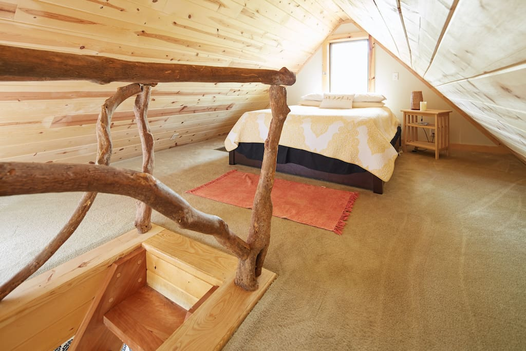 Sleeping loft with Queen size bed