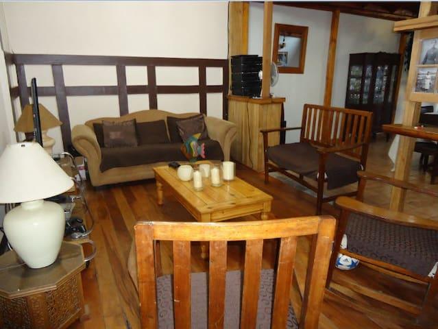 Habitaciones Privadas (2 de 2) - Recoleta - House