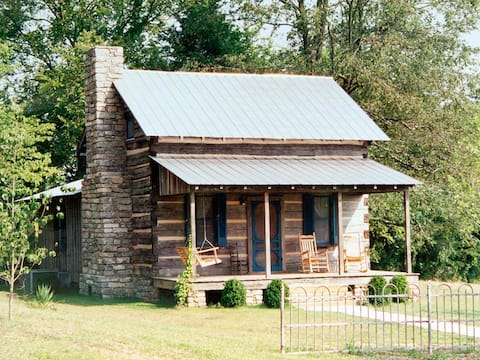 Clock Creek Cabin (Lairdland Farm)