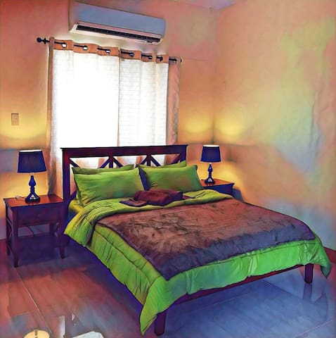 C24*Dumaguete*Carlo's Place: private family room