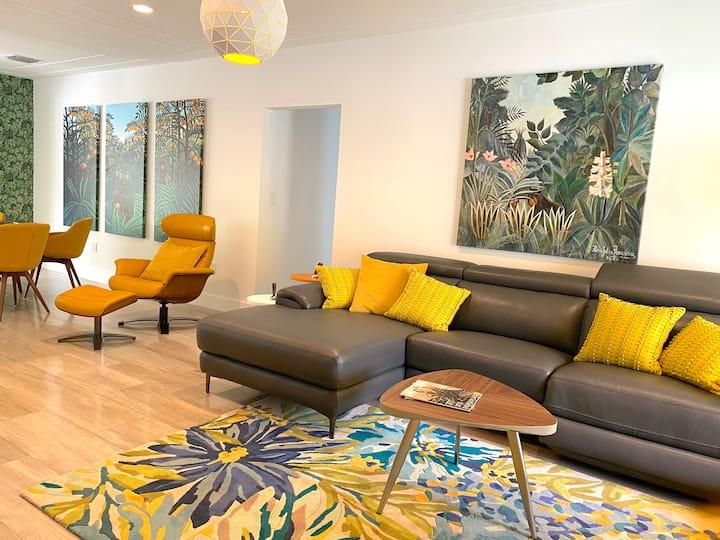 NEW!  Luxury & Stylish Villa, 3 min to the Beach !