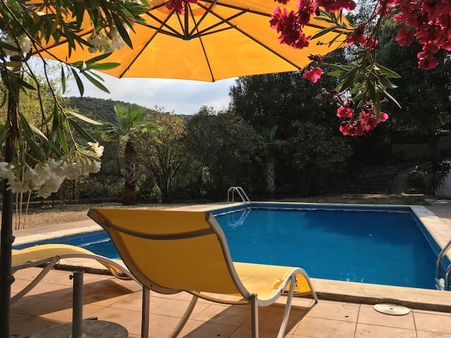Вилла на Коста Брава для 6-8 человек с бассейном