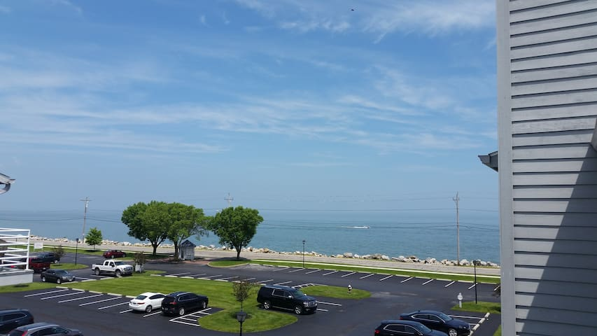 1bed/1bath Port Clinton Condo on Lake Erie