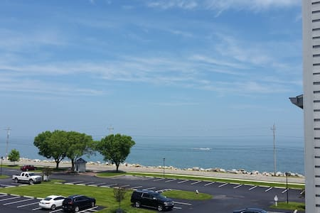 1bed/1bath Port Clinton Condo on Lake Erie