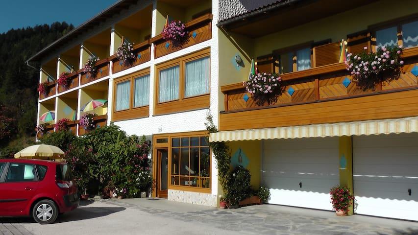 Pension zum Mühlrad - Tweepersoonskamer met Balkon