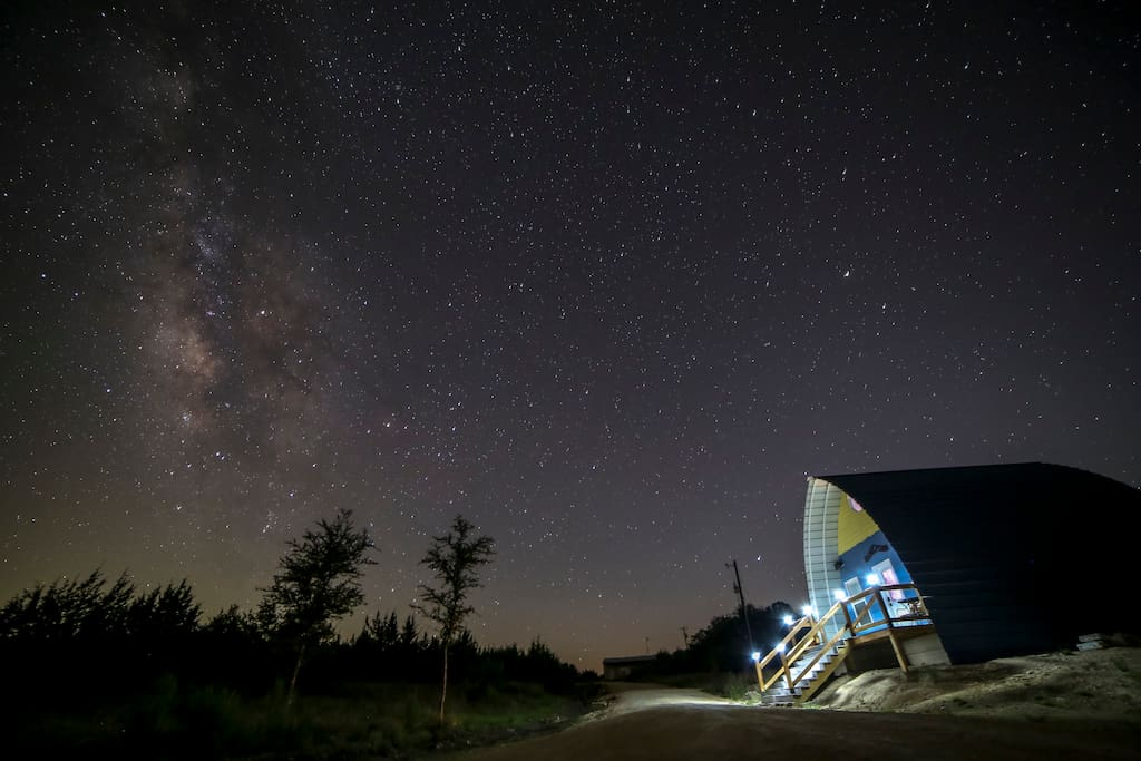 Cabin and the Milky Way - courtesy of guest Leonard Zollicoffer