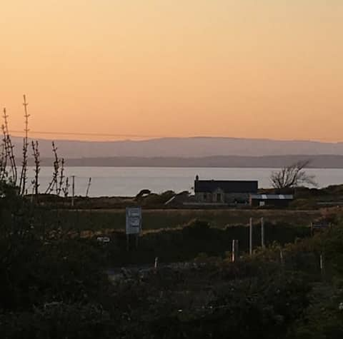 Cosy bungalow near the coast of Donegal