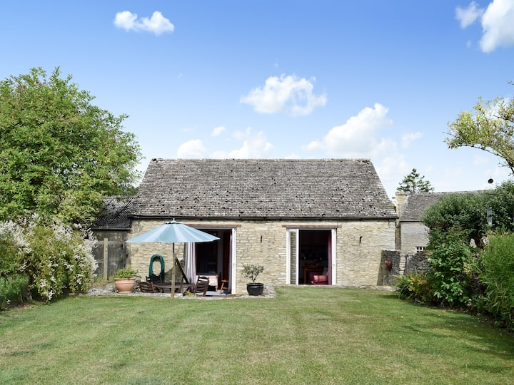 Stable Cottage (11763)