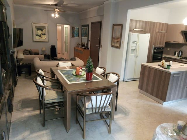 River garden apartment - Ilioupoli - Daire