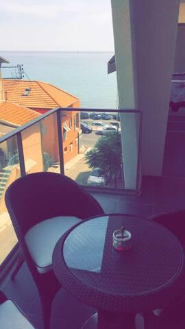 Tres bel appartement 56m2, vue mer, 2/4 personnes