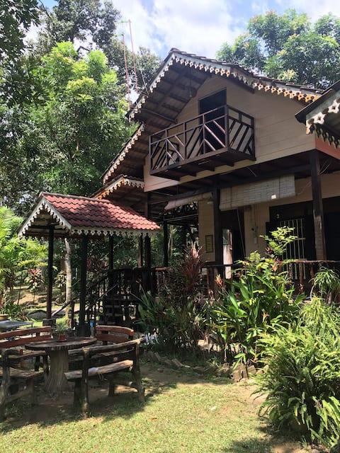 Dahlia @ Sedim Vista - village stay near a stream