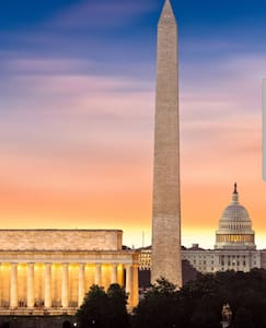"""Room at """"The Mall"""" your place at the heart of DC."""