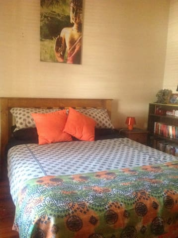 Bedroom in cottage style house(B&B) - Henley Beach