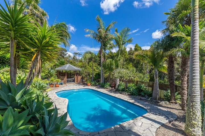 Kauri Haven - Luxury cottage set on native bush