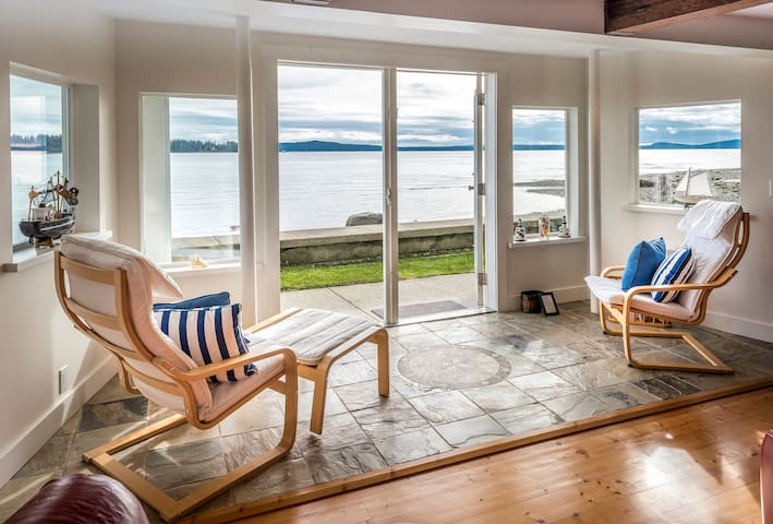 The Beach House on Oyster Harbour