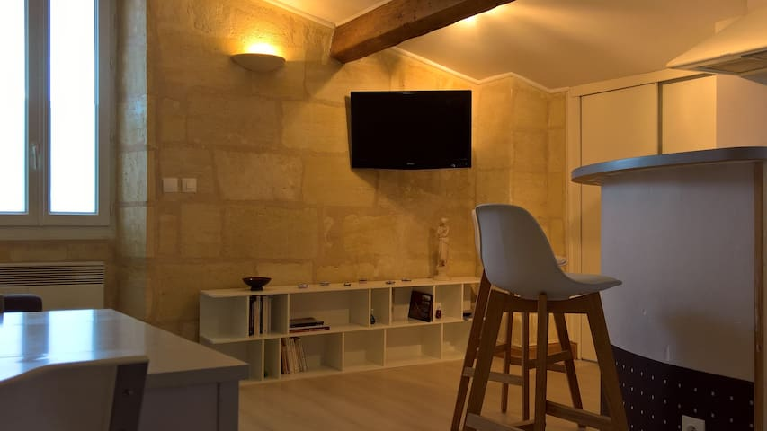 Small studio in Bordeaux, Chartrons district
