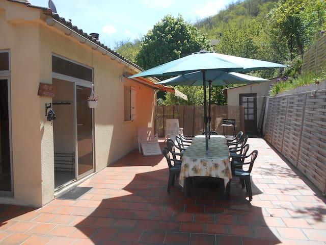 Espace et calme aux portes d'Ajaccio - Carbuccia - House