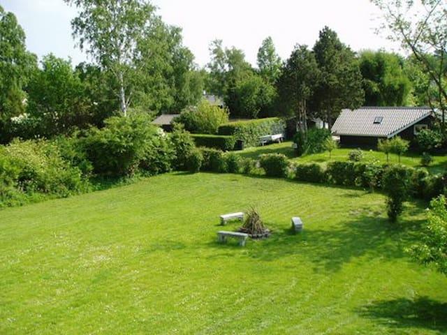 Nyt sommerhus i landlige omgivelser - Vordingborg - Cabaña