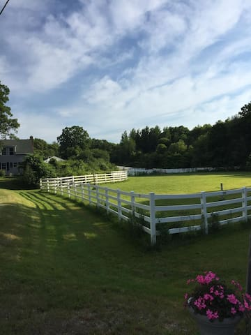 Beautiful Cozy Farm House - Newbury - Talo