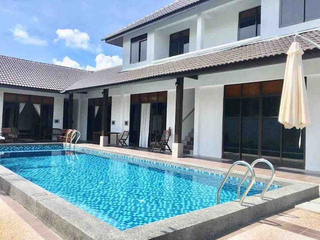 Langkawi Chenang Private Residence w Pool 12+ Pax