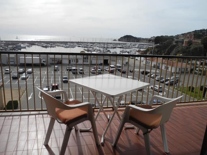 JOAN I- Apartment. for 5 pax sea view C23029