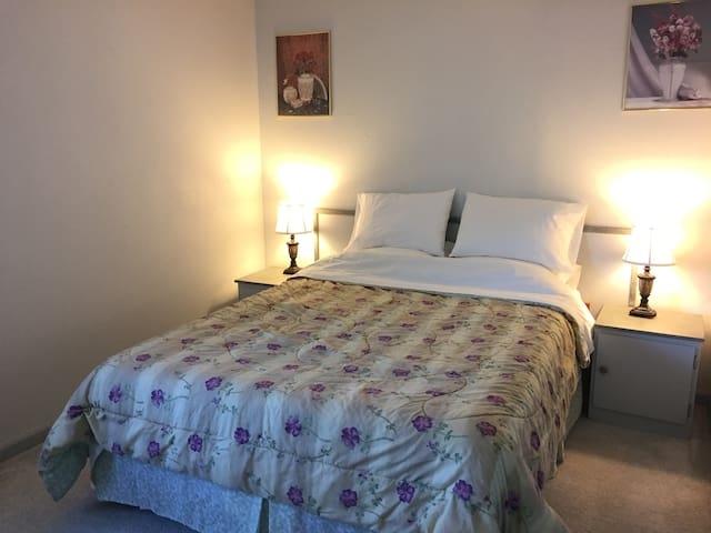 Single room 3 mins from SFO airport - San Bruno - Ev