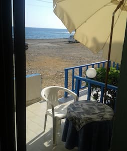 Studio for 3per 10 meters from sea - Παραλία Μιλάτου