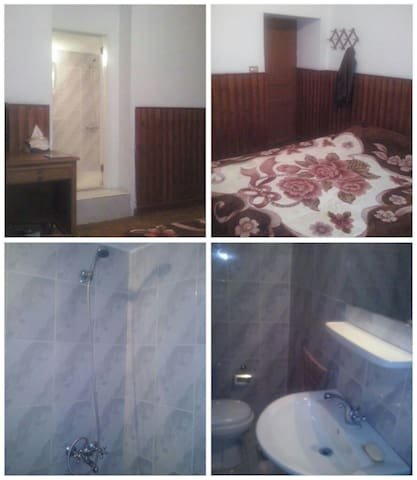 Double room at tiger house hotel - Bsharri - Casa
