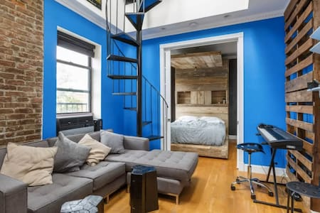Cozy 1BR Loft with PRIVATE Rooftop! [232-6] - Nueva York