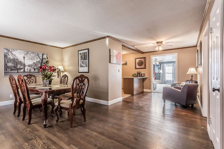 Relaxing and spacious single family in heart of OP