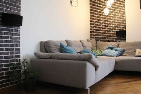Large cozy room, close to the Kyiv center, subway.