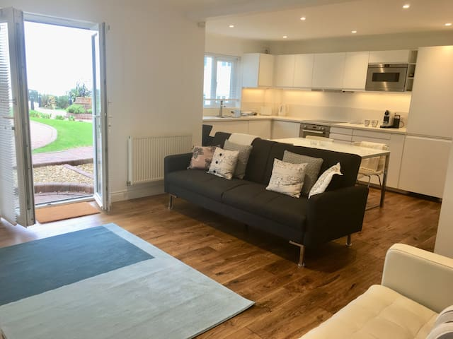 Stunning contemporary apartment. Fistral Views