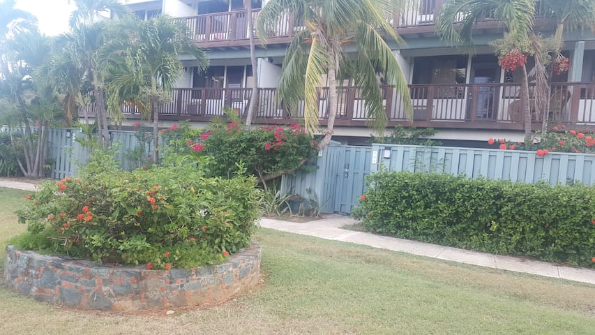 Betsy's Beach Side Bungalow