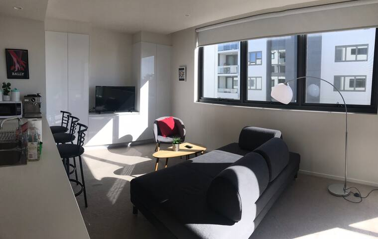 Braddon-1BR Apartment, WiFi, Free secure parking