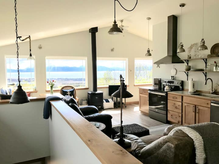 Luxury Homer Guesthouse - In Town & Best View!