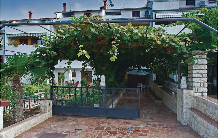 Holiday apartment with 1 bedroom on 37m² in Porec